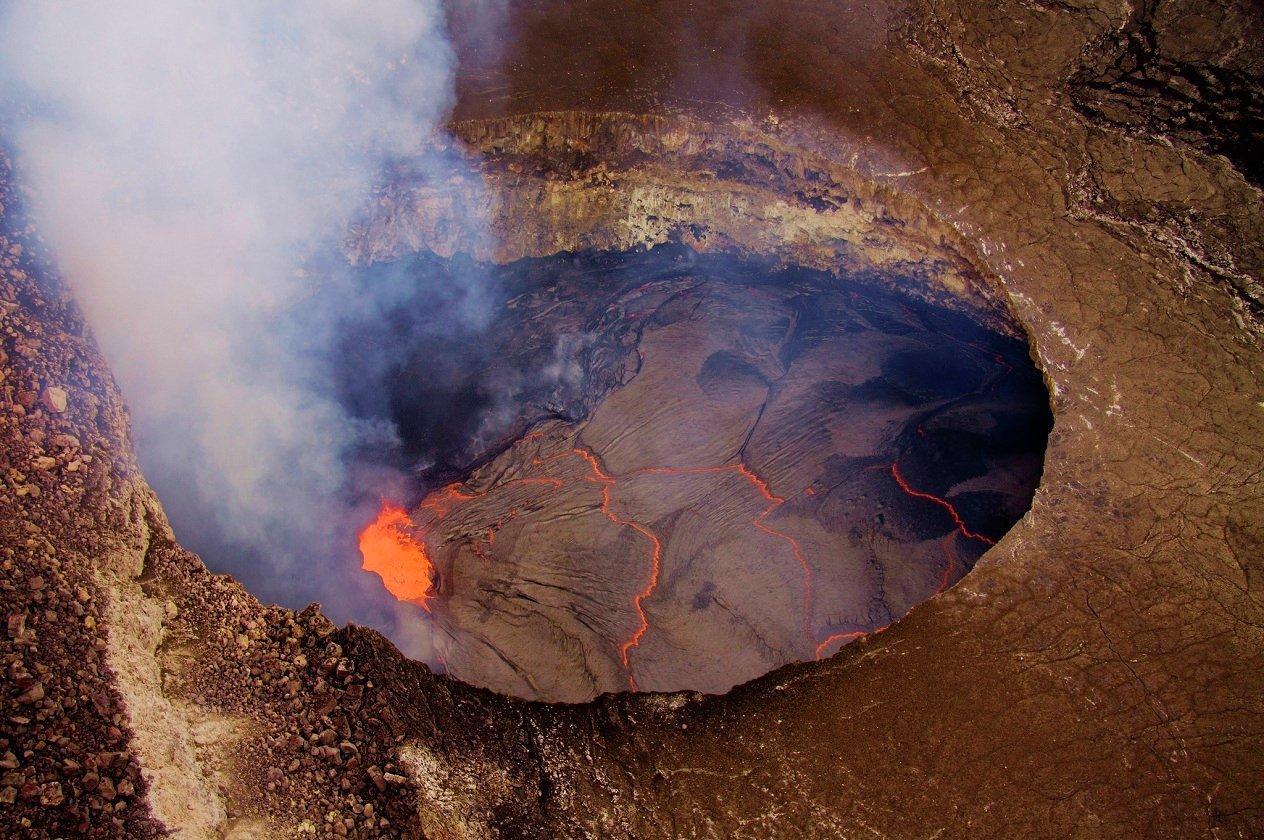 Гавайцы готовятся к эвакуации из-за извержения вулкана