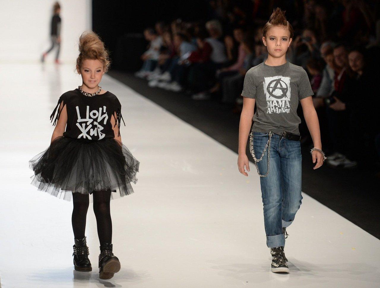 Показ коллекции дизайнерской детской одежды Евгении Лазаревой