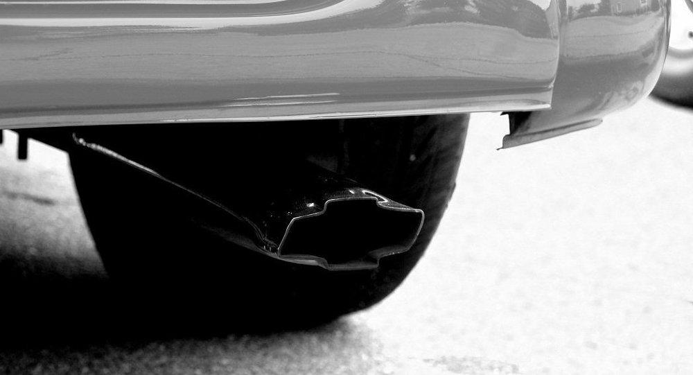 Выхлопная труба автомобиля