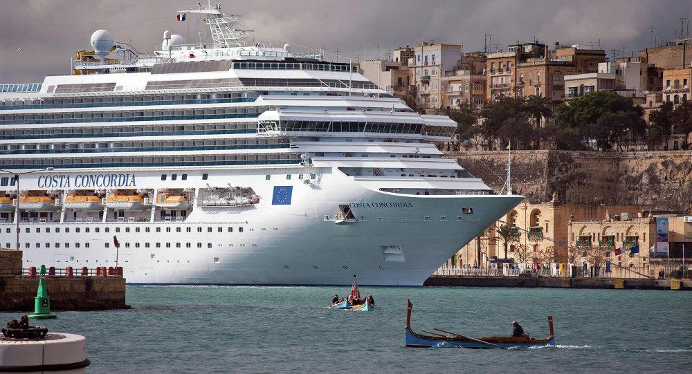 Круизный лайнер Costa Concordia