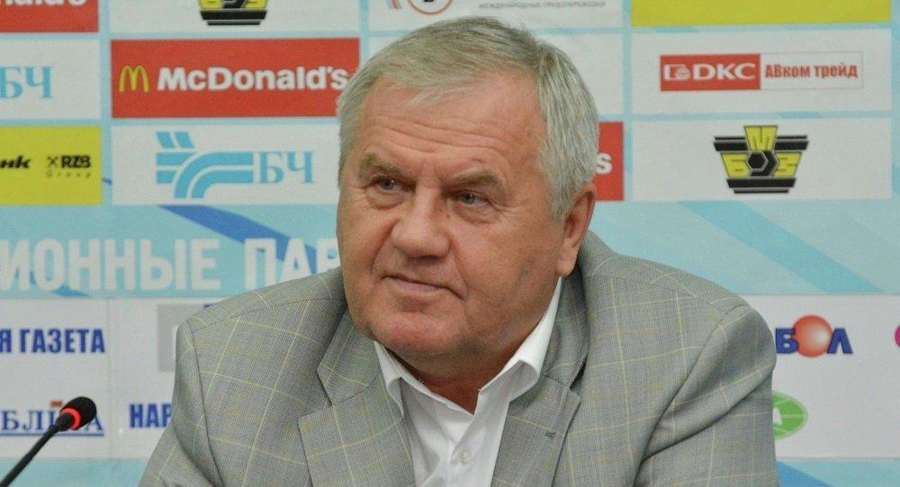 Главный тренер белорусской сборной по хоккею Владимир Крикунов