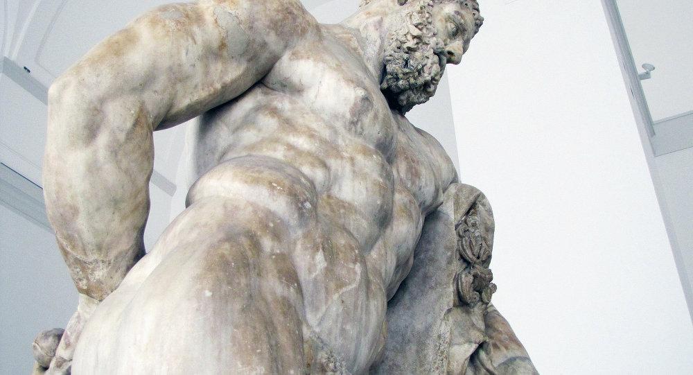 Статуя Уставший Геракл