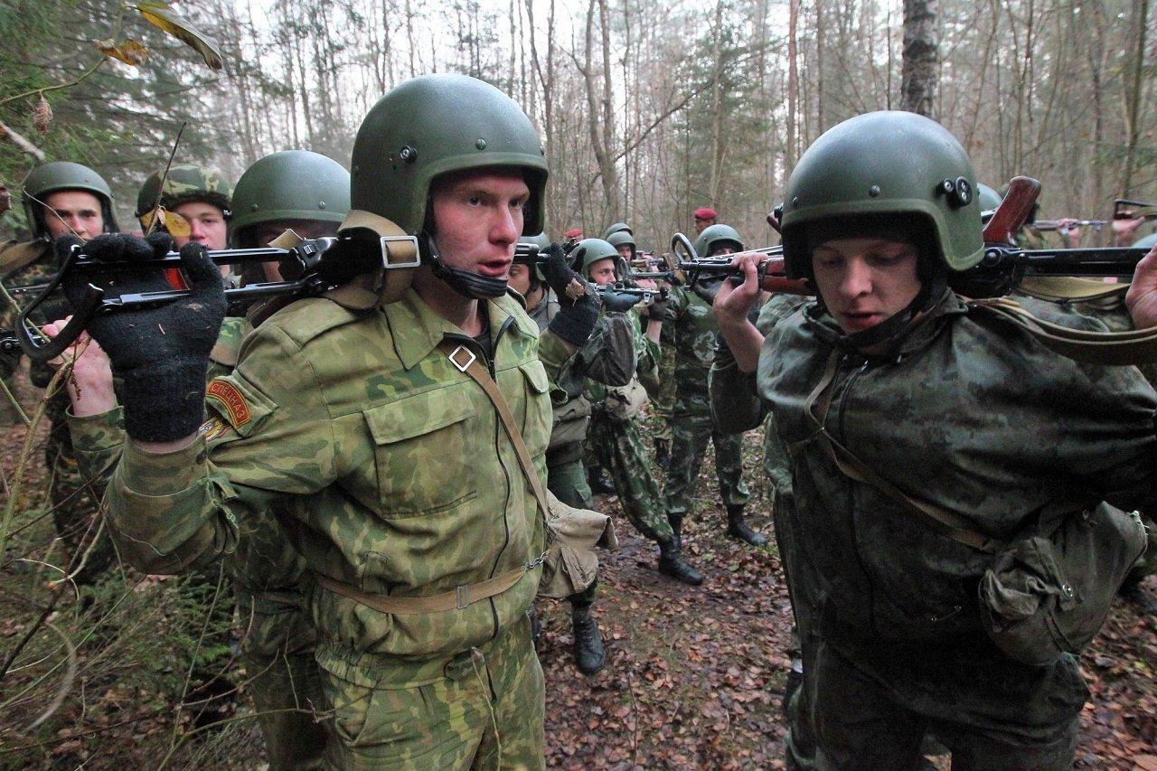 Традиционно бойцы проходят несколько этапов испытаний.