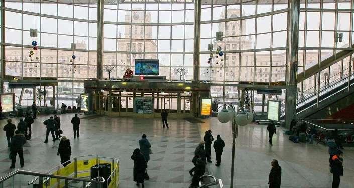 Зал ожидания центрального вокзала, архивное фото