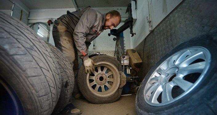 Работа шиномонтажной мастерской в Великом Новгороде