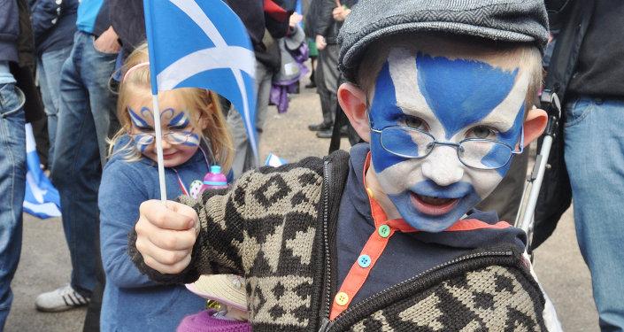 На демонстрации, посвященной референдуму о независимости Шотландии, Эдинбург