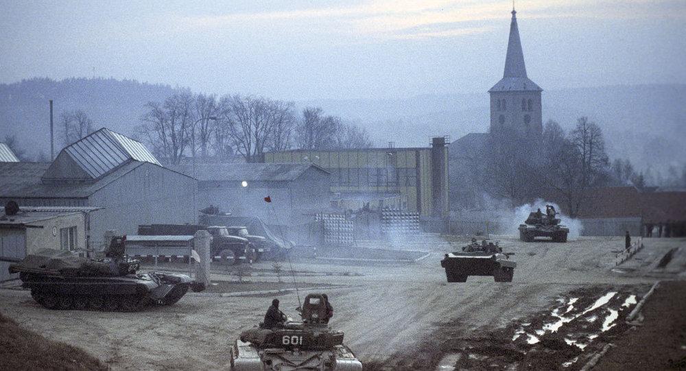 Вывод советских войск из Чехословакии в 1990 году, архивное фото