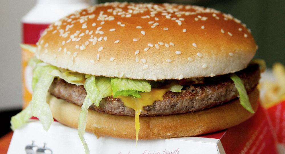 Гамбургер ресторана быстрого питания Макдоналдс