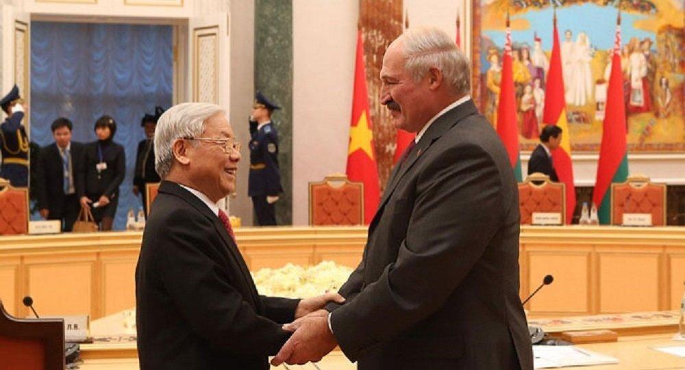 Генеральный секретарь  ЦК Компартии Вьетнама Нгуен Фу Чонг и президент Беларуси Александр Лукашенко