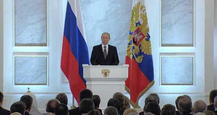 Послание Путина: Украина, санкции, рубль и налоги