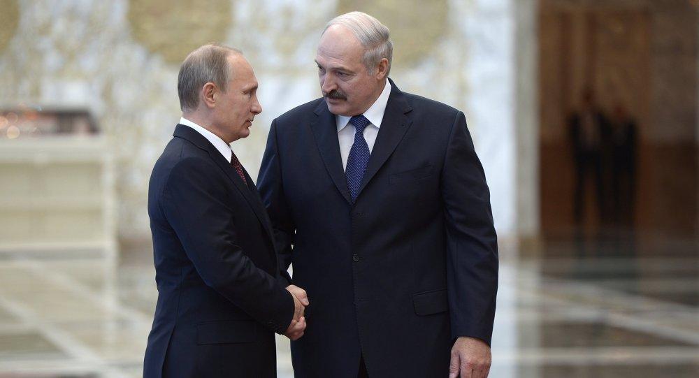 Владимир Путин и Александр Лукашенко, архивное фото