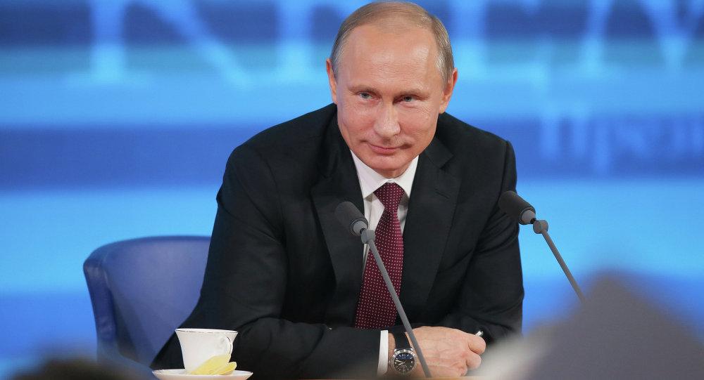 Большая пресс-конференция Владимира Путина, архивное фото