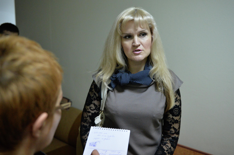 Елена Мальцева  на суде по делу супруга