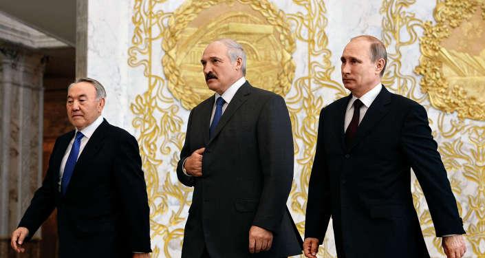 Владимир Путин, Александр Лукашенко и Нурсултан Назарбаев, архивное фото