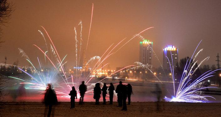 Фейерверк в новогоднюю ночь