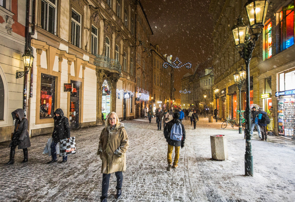 Новогодняя Прага: уличные ярмарки, снег, огни