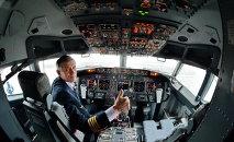 Пилот на борту Boeing/737-800 NG