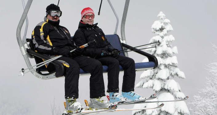 Дмитрий Медведев и Александр Лукашенко, архивное фото