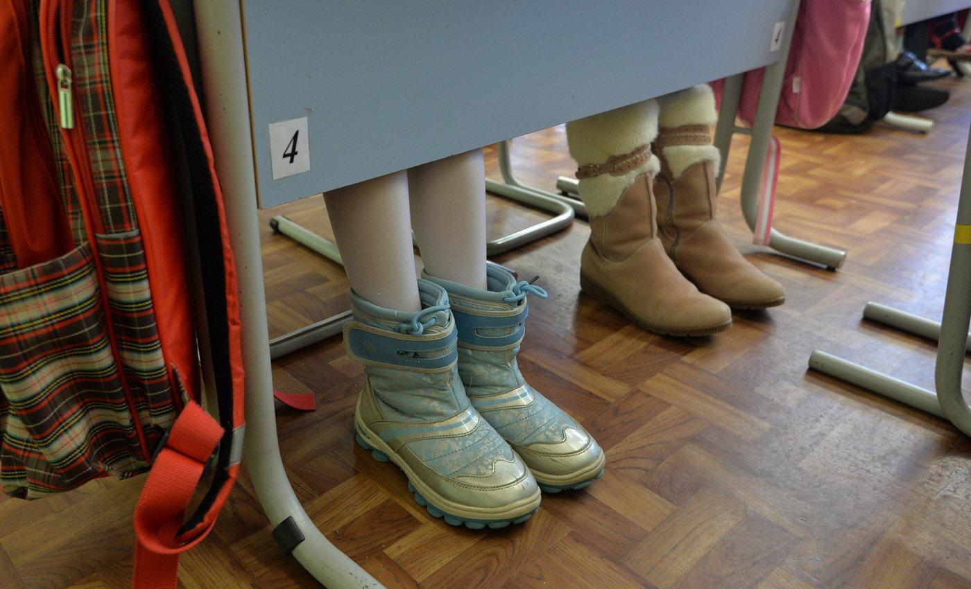 Детям необходима сменная обувь в школе