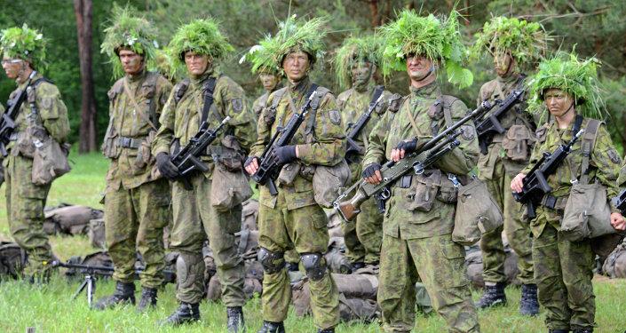Парламент Литвы узаконил постоянный военный призыв