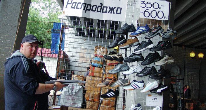 На вещевом рынке в Лужниках, архивное фото