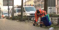 Мусор и разбитые стекла: во Франкфурте расчищали улицы после погромов