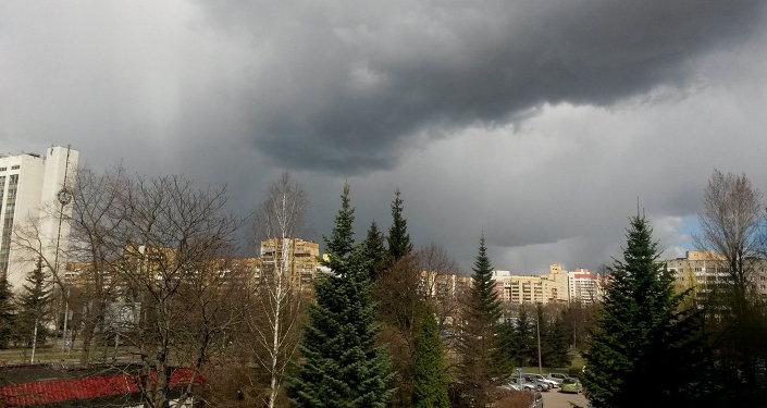 Пасмурное небо перед бурей
