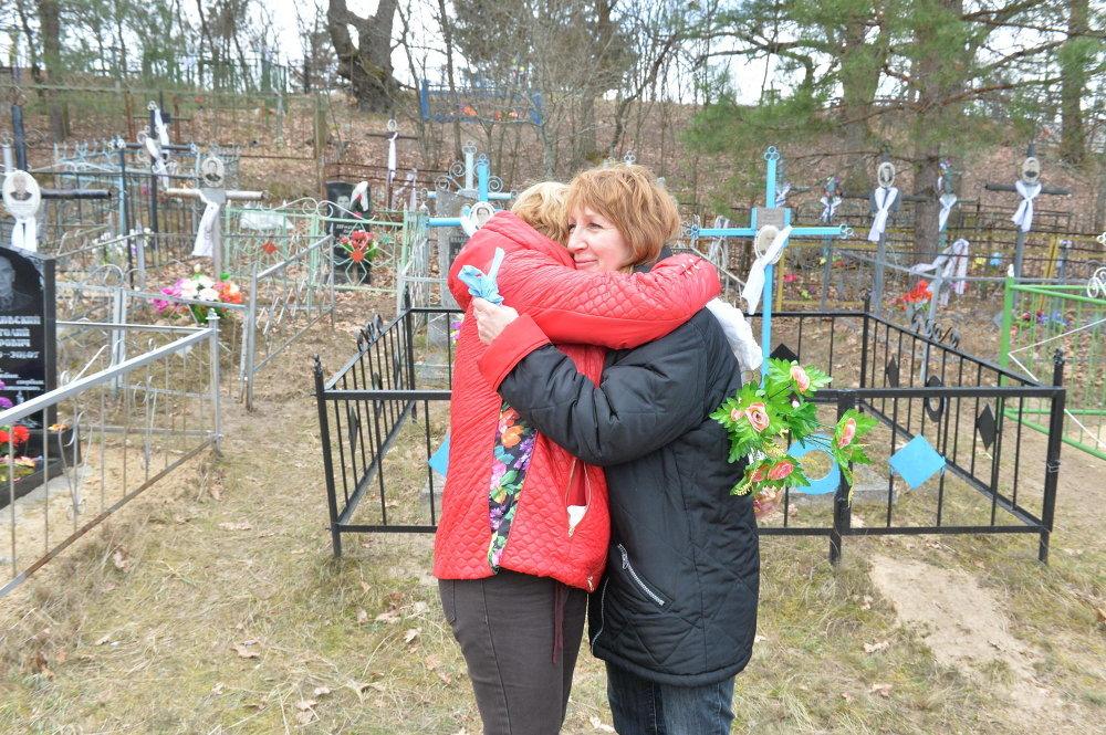 Радаўніца на могілках у адселенай вёсцы Арэвічы, Хойніцкага раёна