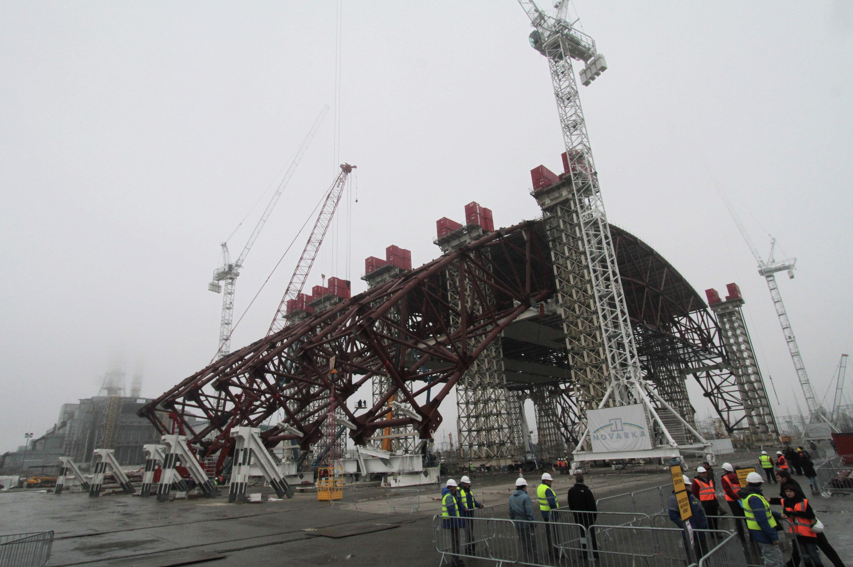 Первый этап строительства нового саркофага на ЧАЭС