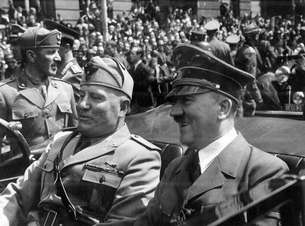 Адольф Гитлер и Бенито Муссолини в Мюнхене, 1940