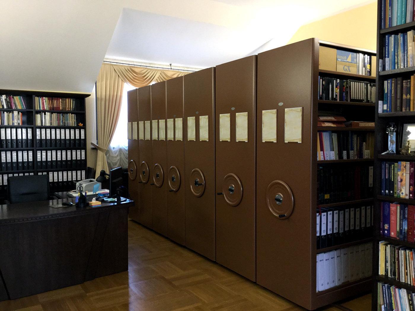 Сейфы в кабинете белорусского сектоведа Владимира Мартиновича