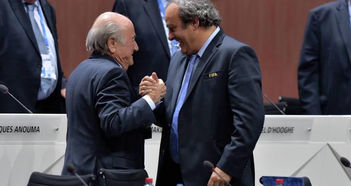Президент ФИФА Йозеф Блаттер и президент УЕФА Мишель Платини