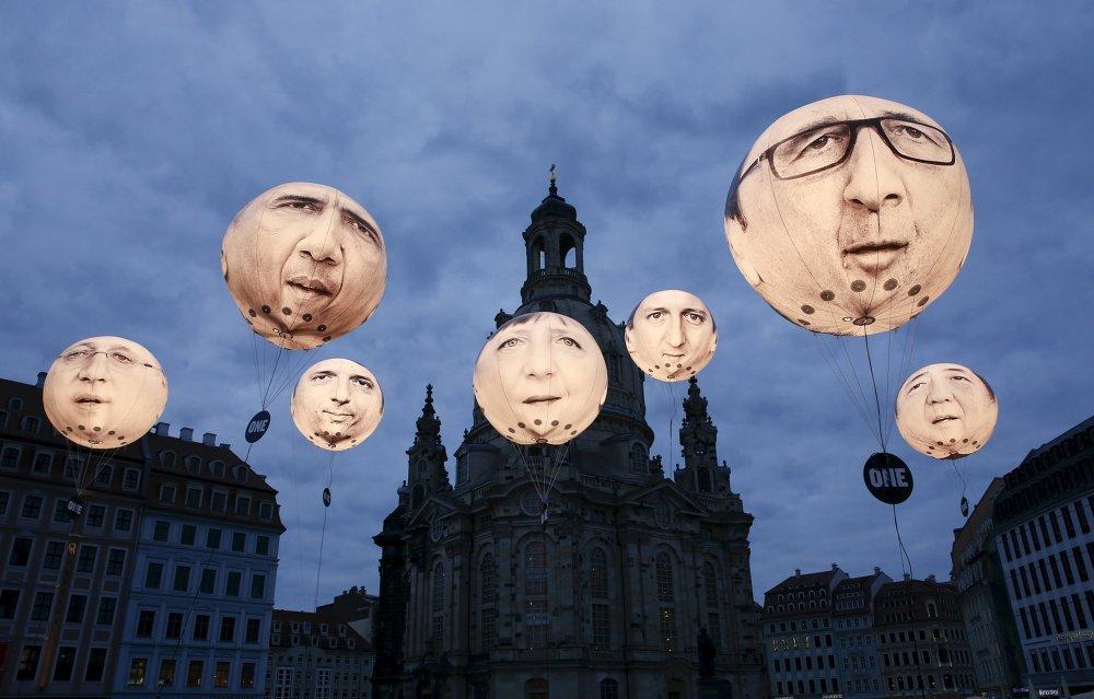 Паветраныя шары з выявамі лідэраў краін - членаў G7 перад саборам Фрауэнкірхе ў Дрэздэне