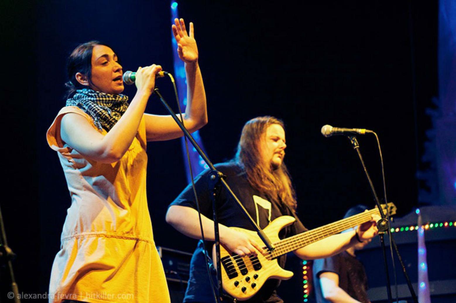 Rokash:аўтар музыкі і вакал Паліна Дулінец, аўтар тэкстаў і басіст Лявон Казакоў