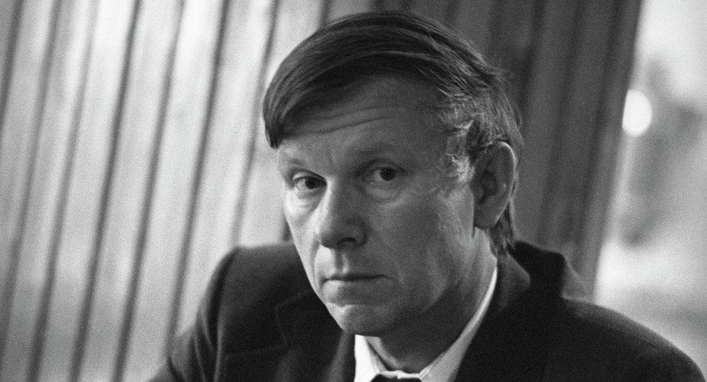 Пісьменнік Васіль Быкаў
