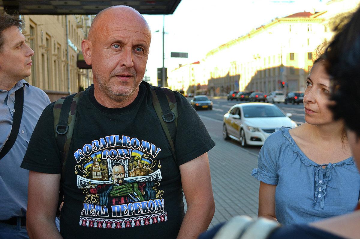 Куфэрак падарожжаў з Антонам Астаповічам