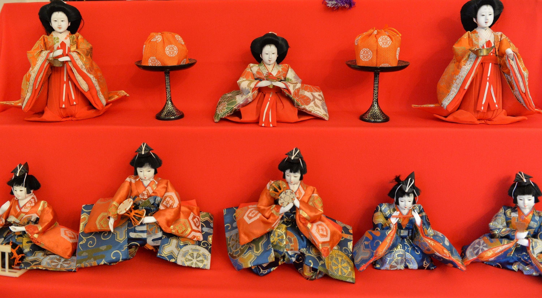 Лесавіца з японскімі лялькамі