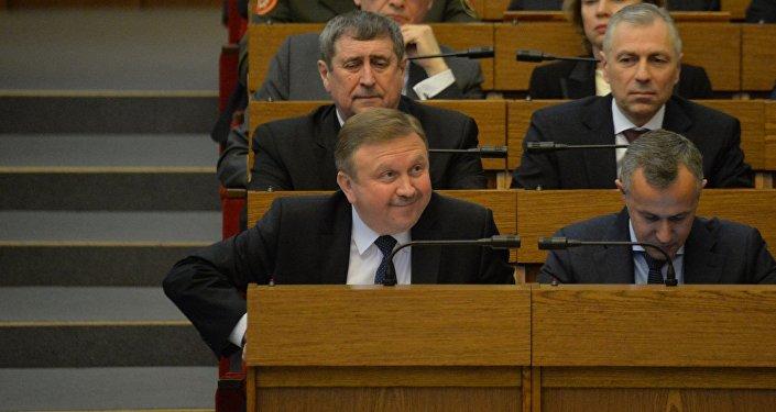 Андрей Кобяков в Овальном зале белорусского парламента