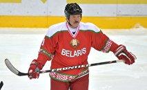 Президент Беларуси Александр Лукашенко на Рождественском турнире по хоккею в Минске