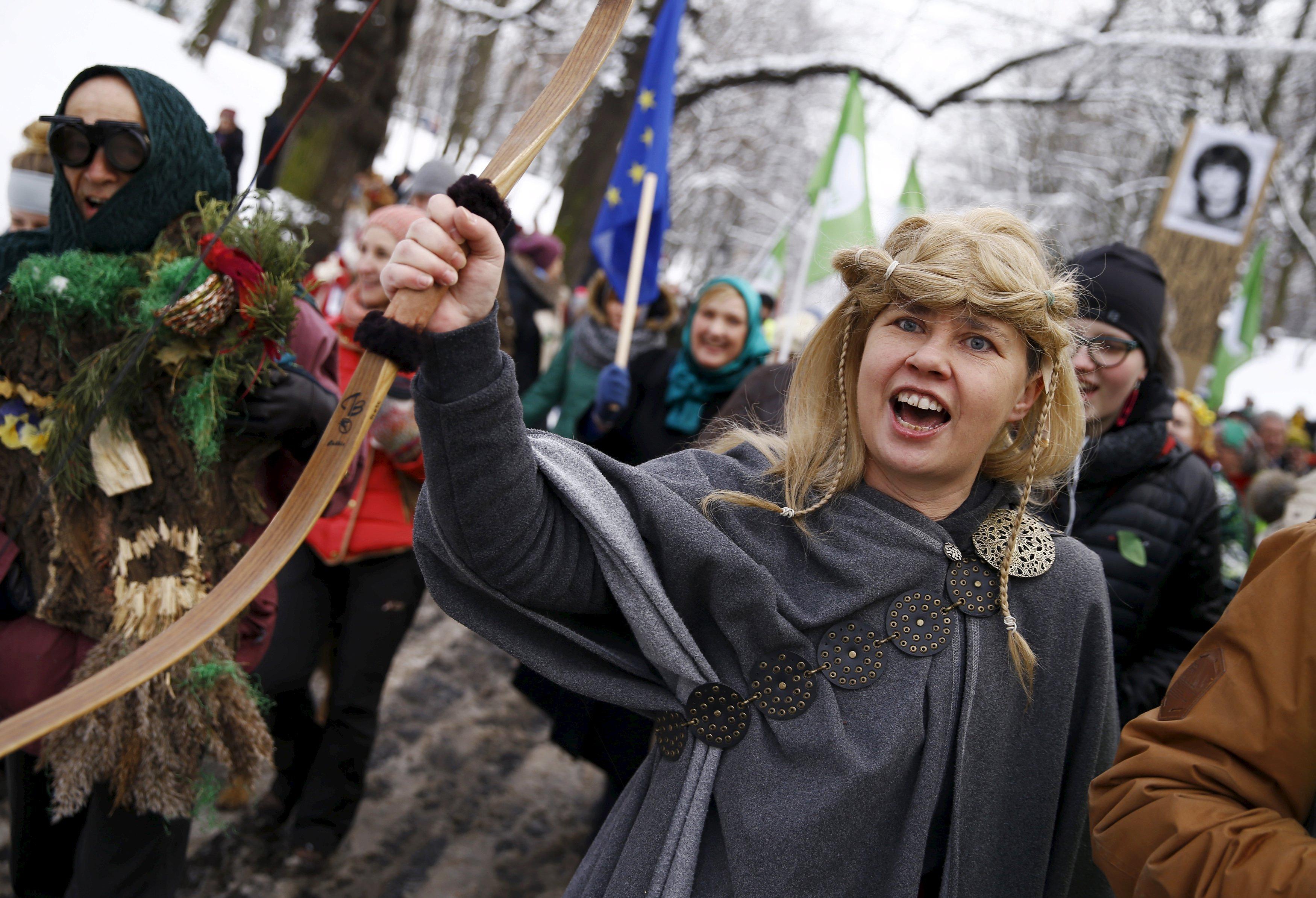 Участники марша зеленых в Варшаве.