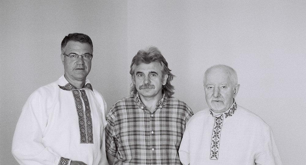 Джон Кунстадтэр, Алесь Камоцкі, Рыгор Барадулін (злева направа)