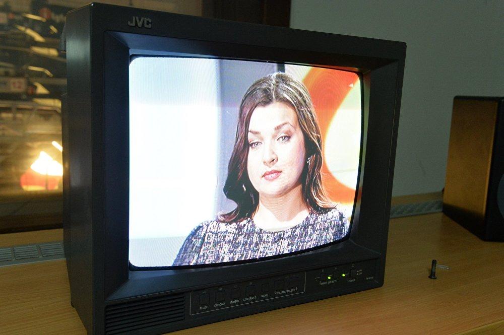 Актрыса Вера Палякова на маніторы гукарэжысёра тэлеканала СТБ