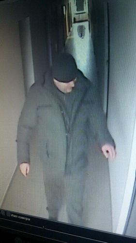 Разыскиваемый за кражу в столичном офисе мужчина