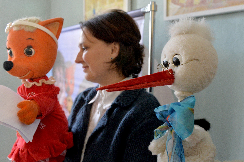Ведущие Калыханки лисичка Яночка и Буслик и актриса Инна Гончар