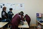 Медики работают в Ратичской школе