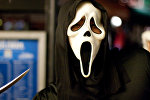 Человек в маске из фильма Крик