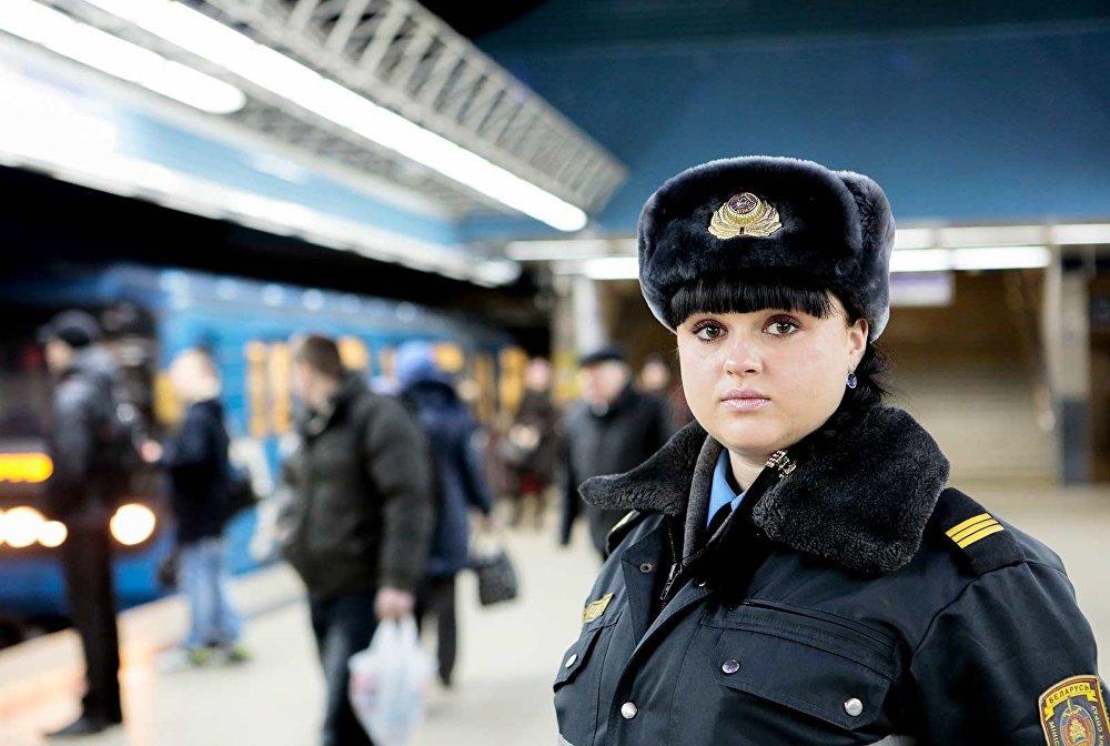 Сотрудница УВД по охране метрополитена