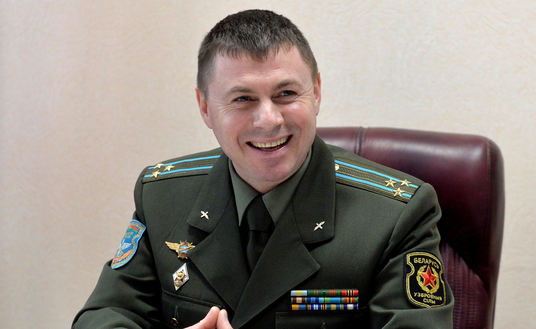 Командир авиабазы полковник Андрей Лукьянович