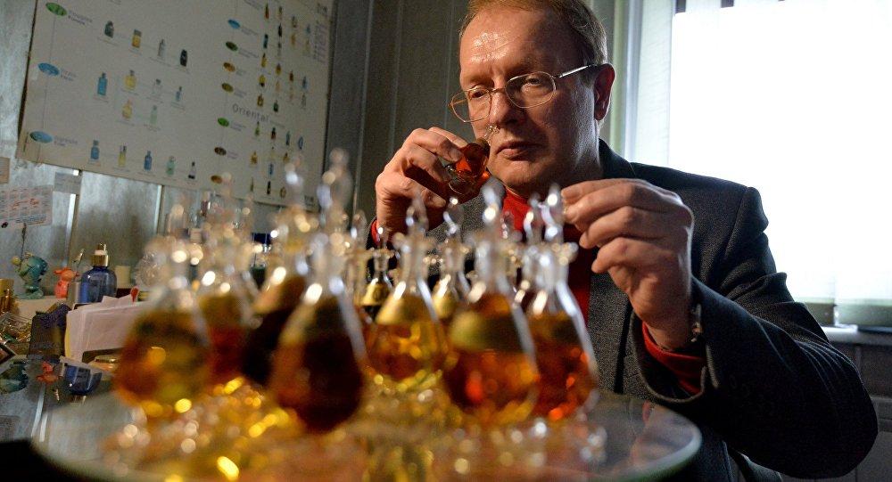Белорусский парфюмер Олег Выглазов знает все о мире запахов.