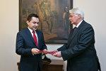 Конрад Павлик (слева) назначен послом Польши в Беларусь